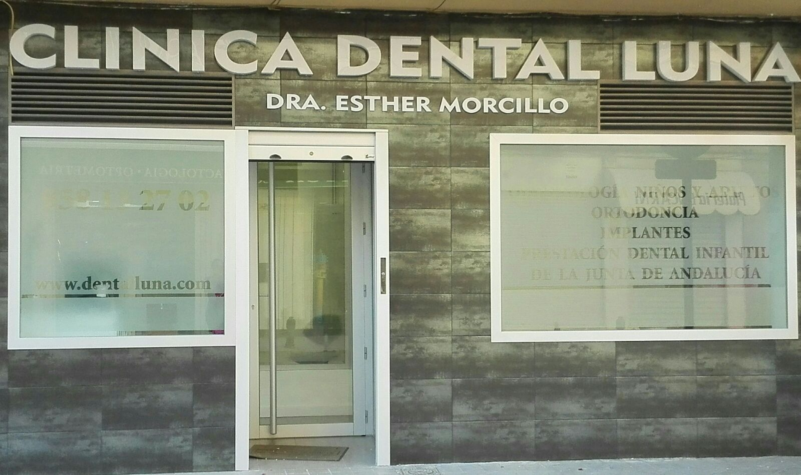 Exterior Clinica Dental Luna